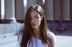 Schöne ukrainische Frauen suchen nach Dating mit ausländischen Männern